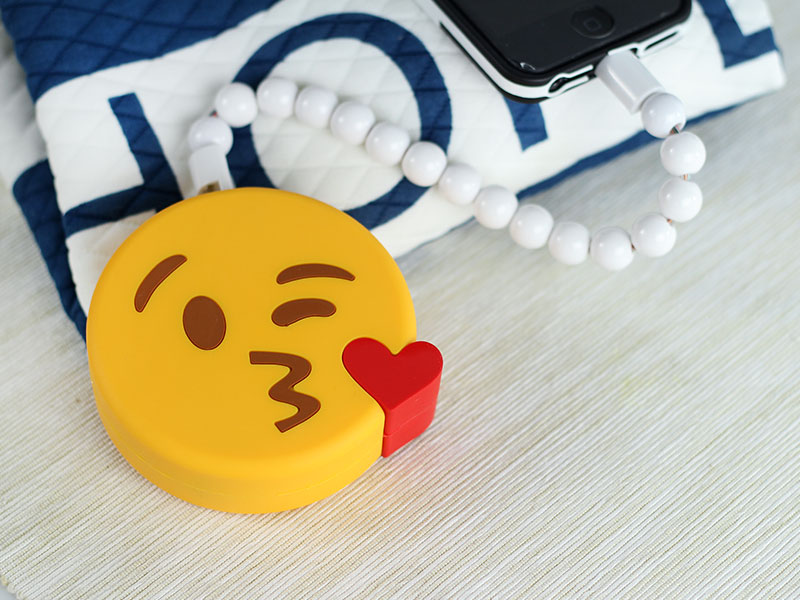 power bank emoji kiss