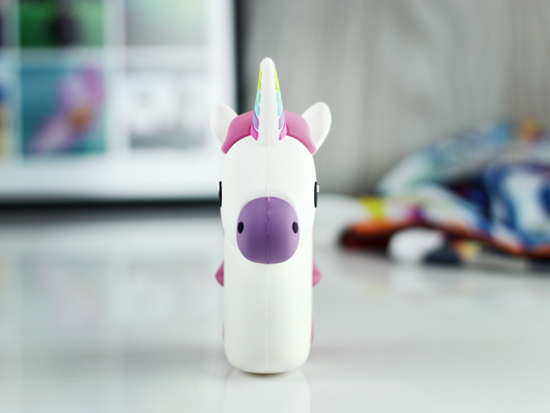 power bank unicorn przód